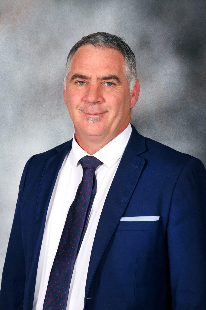 Mr Pierre Snyman